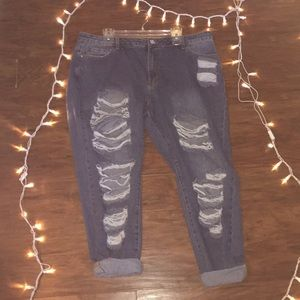 52ca65af43 Forever 21 Jeans - plus size distressed mid wash mom jeans